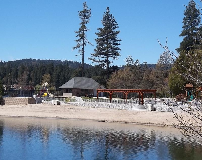 Photo Of Mountain Country Realty Lake Arrowhead Ca United States Tavern Bay