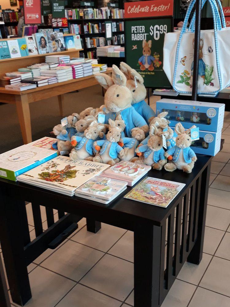 Barnes & Noble: 3120 Fairlane Dr, Allen Park, MI