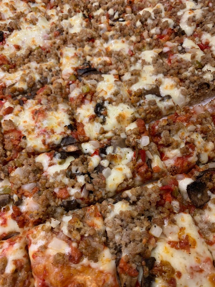 Pizza King: 2424 Nichol Ave, Anderson, IN
