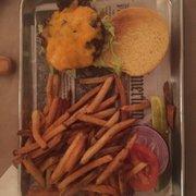 The Burger Barn 48 Photos Amp 144 Reviews Burgers 289