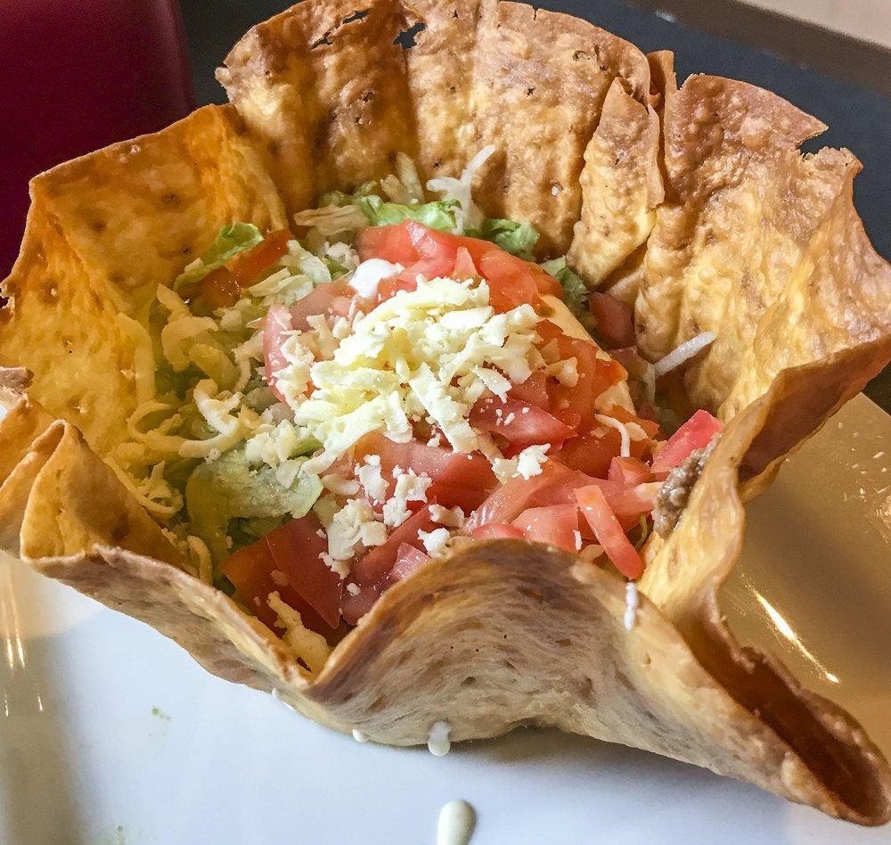 El Cielito Lindo Mexican Restaurant: 2077 Main St, Rochester, IN