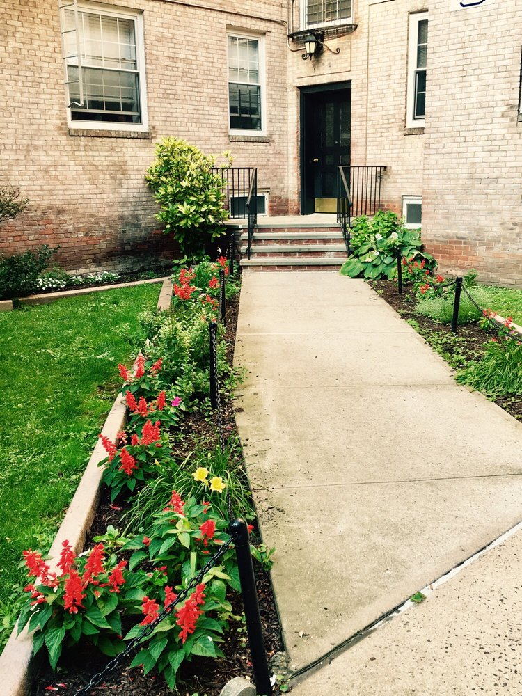 Boulevard Gardens: 5417 31st Ave, Woodside, NY