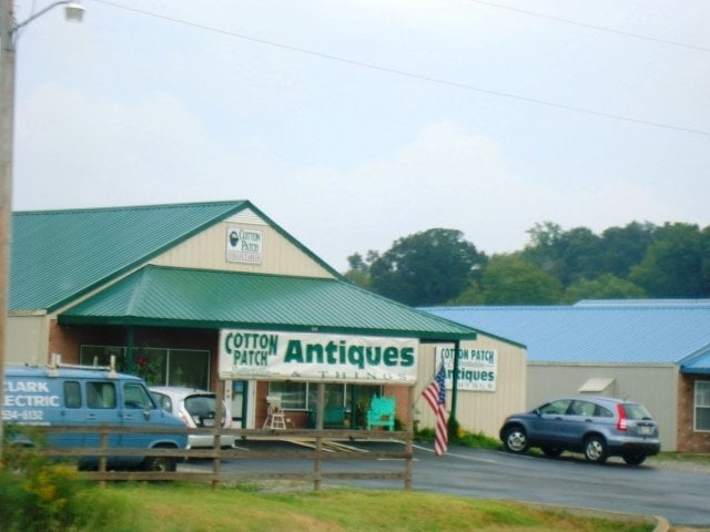 Cotton Patch Antiques: 15664 Highway 231 431 N, Hazel Green, AL