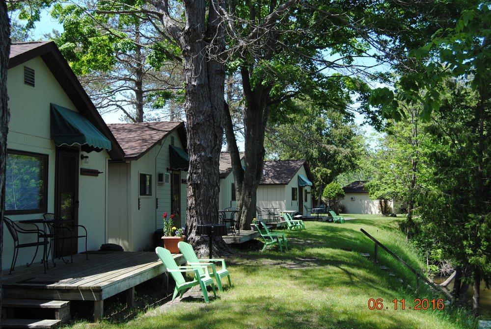 Hanmer's Riverside Resort & Livery: 2251 Benzie Hwy, Benzonia, MI