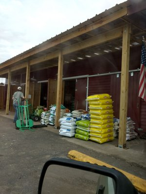 The Feed Store - Livestock Feed & Supply - 10206 Fl Ga Hwy
