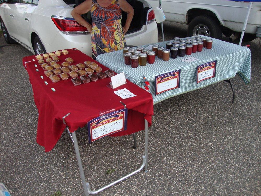 Anoka Outdoor Farmer's Market: 420 E Main St, Anoka, MN