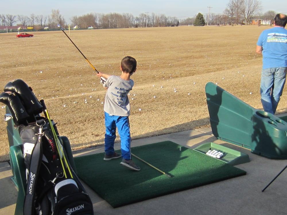 Vince's Golf Range: 215 Josephville Rd, Wentzville, MO