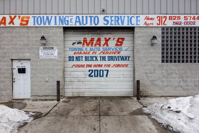 Towing business in Douglas, IL