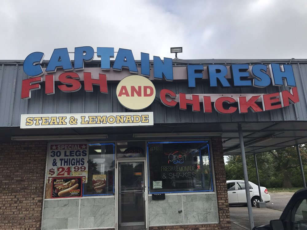 Captain Hooks Fish & Chicken: 925 E Court St, Kankakee, IL