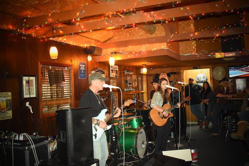 Lucky Day's Cocktail Bar: 43840 Lake Hughes Rd, Lake Hughes, CA