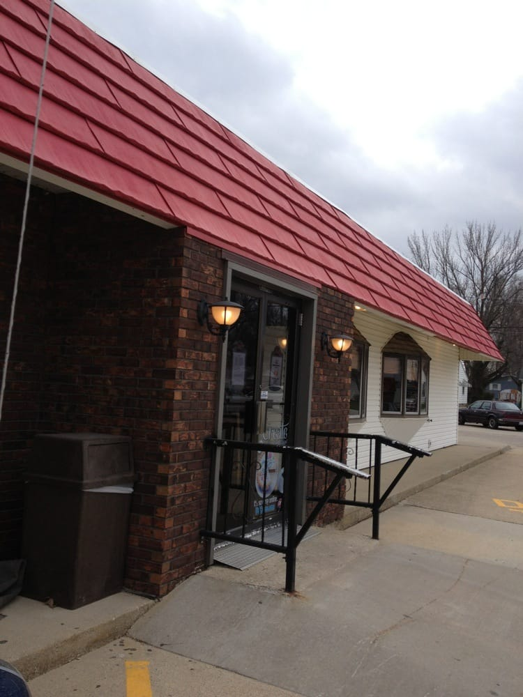 Dairy Queen Grill & Chill: 1600 W Main St, Shelbyville, IL