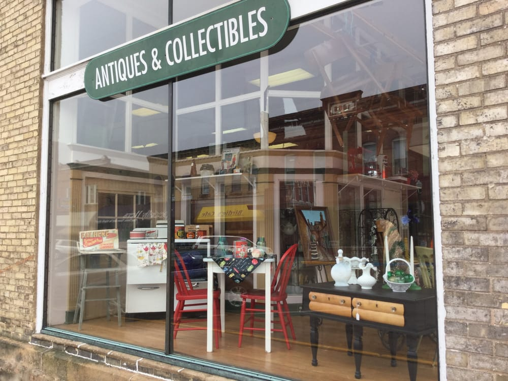 Oak Street Antiques, Collectibles, and Mercantile: 530 Oak St, Baraboo, WI
