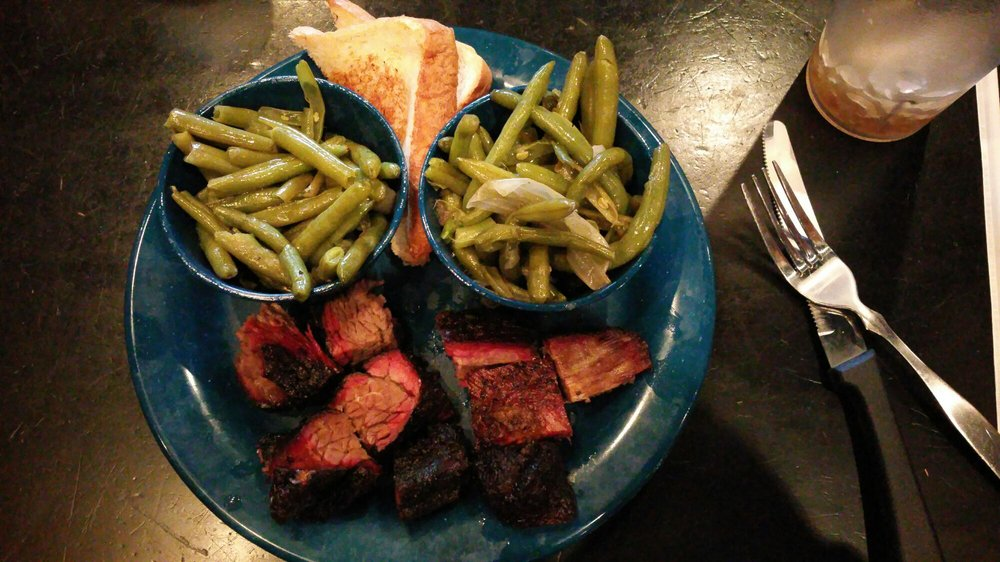 MOJO Smokehouse BBQ & Blues: 1810 Town Center Blvd, Fleming Island, FL