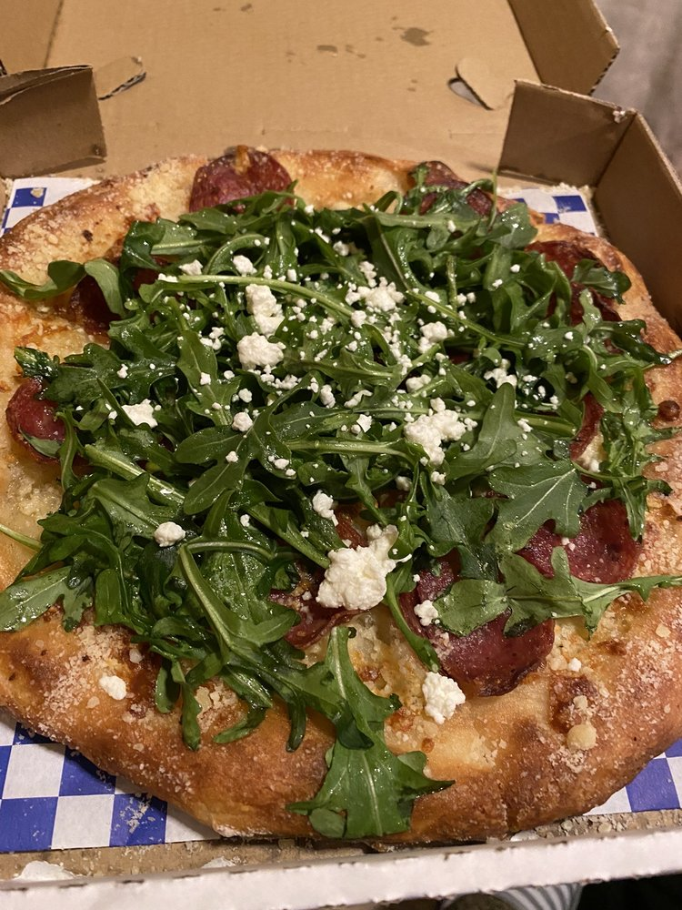 Pizza Leona: 100 E Jewett Blvd, White Salmon, WA