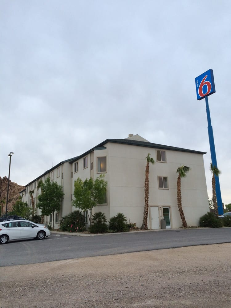 Motel 6: 700 E Highway 95 N, Beatty, NV
