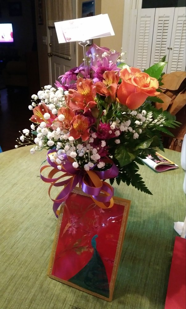 Flowers & Baskets Florist: 29 W Calhoun St, Sumter, SC