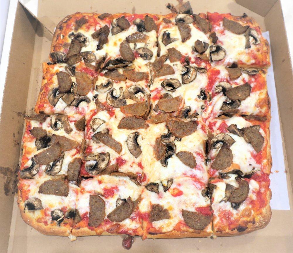 Food from Bob's Thin Crust Pizza