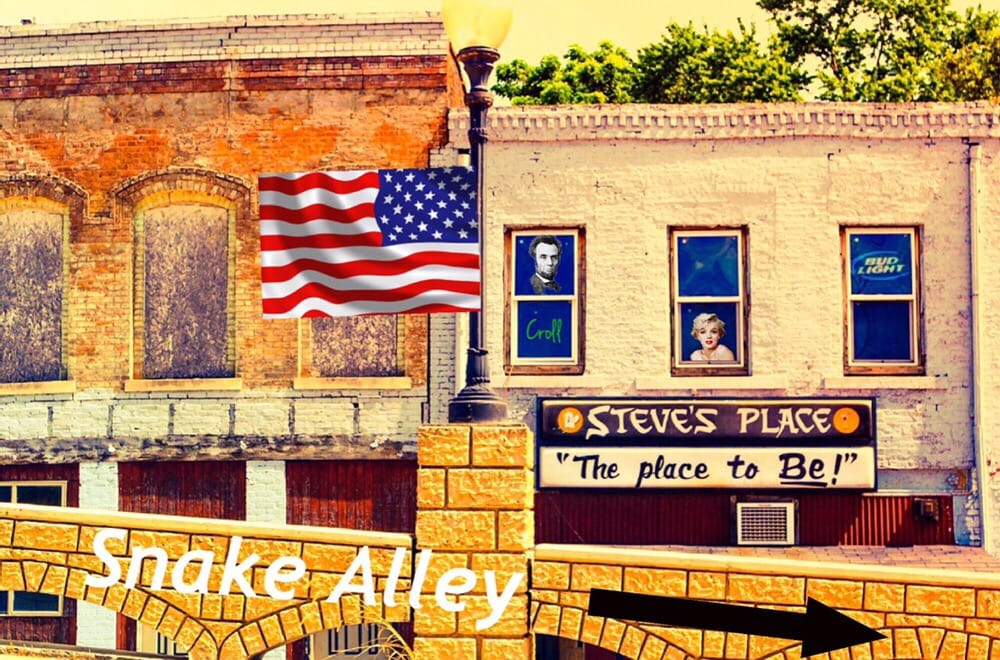 Steve's Place: 852 Washington St, Burlington, IA