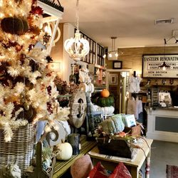Photo Of Scarlett Scales Antiques   Franklin, TN, United States.  Thanksgiving U0026 Christmas