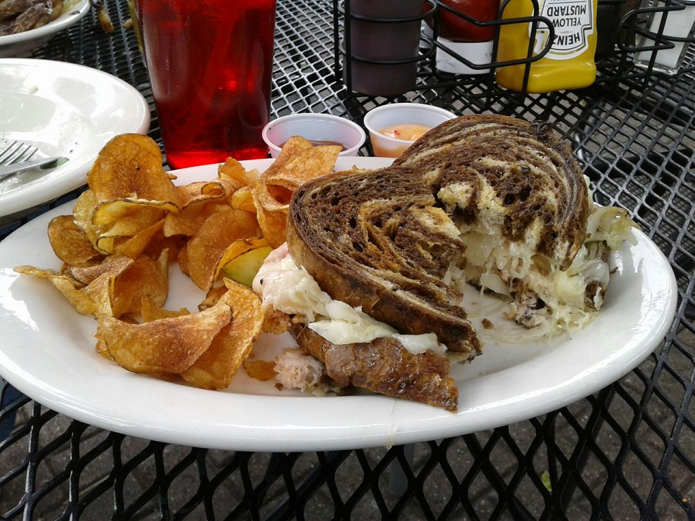 Nick's Restaurant: 1443 N Detroit St, Xenia, OH