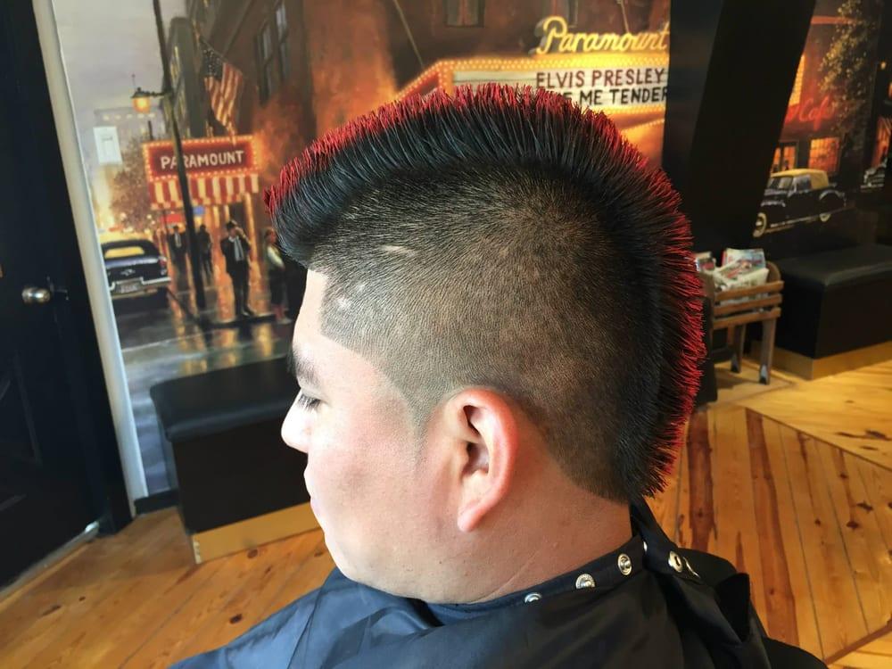 Haircut Light Fade With A Red Color Mohawk Recorte Fade Claro Con