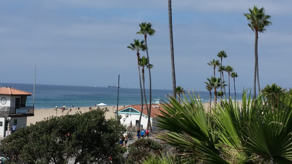 View from window seat yelp for Rock n fish manhattan beach
