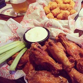 The Kickin Chicken Closed 25 Photos 38 Reviews Sports Bars