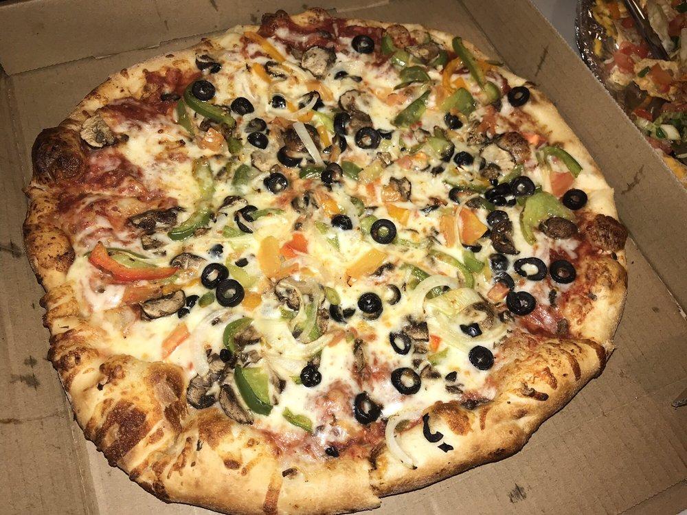 Photo of Dearborn Pizza: Dearborn, MI