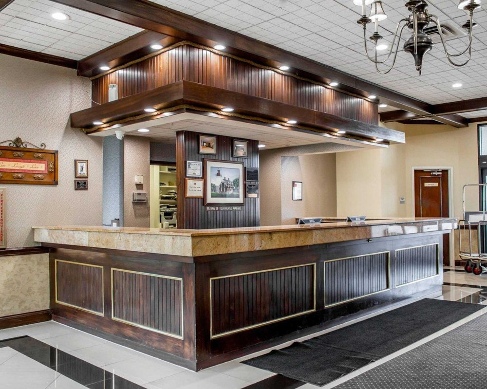 Clarion Hotel Marina & Conference Center: 30 Lake Shore Drive East, Dunkirk, NY