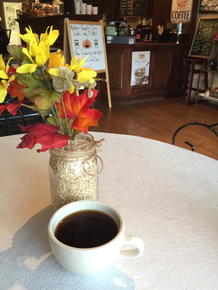Bell's Country Coffee: 258 E 14th St, Elmira, NY