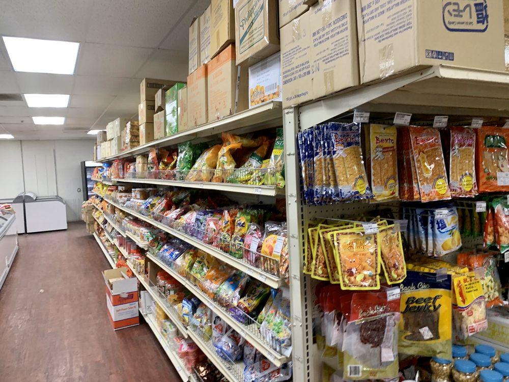 World Market: 3900 S Grand Blvd, St. Louis, MO