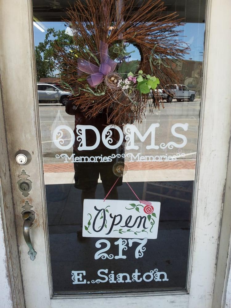 Odom's Gifts: 217 E Sinton St, Sinton, TX