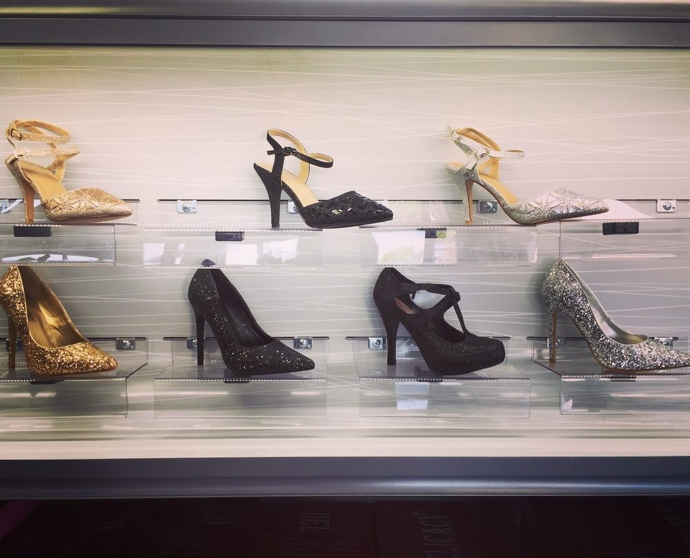 Tess Shoes For Less: 3555 Sonoma Blvd, Vallejo, CA