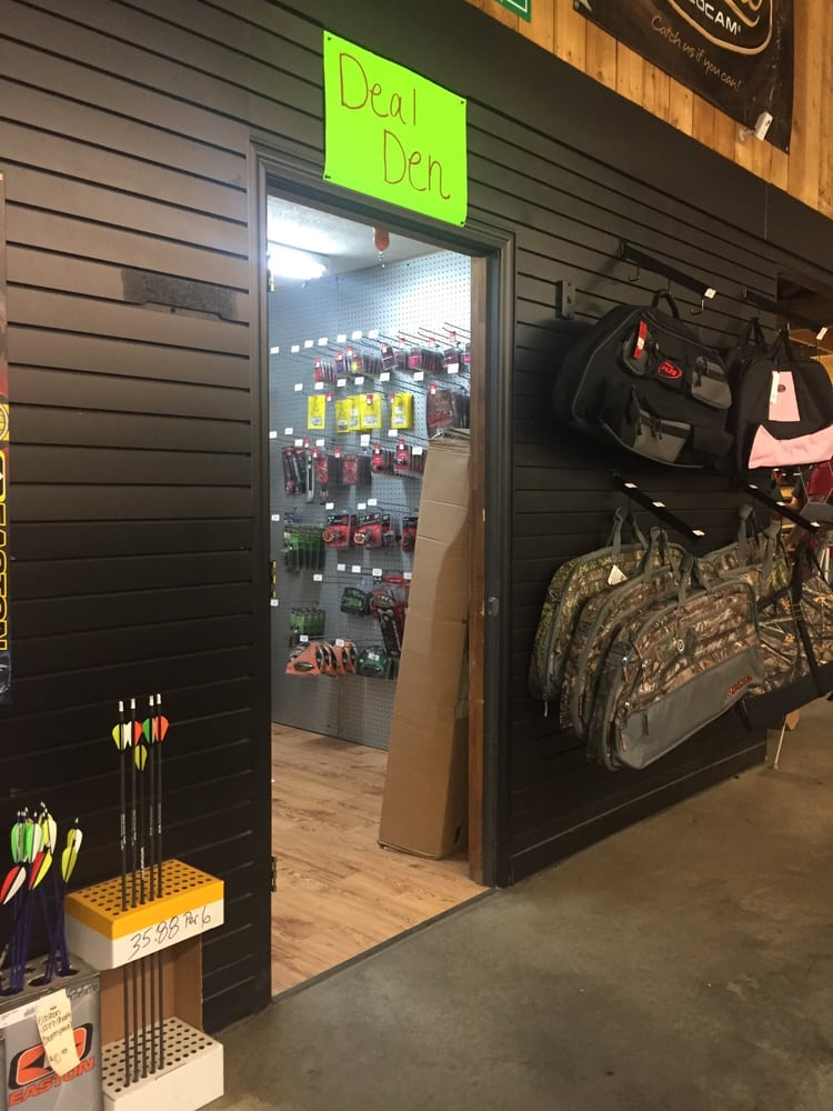 Bowhunters Supply Store: 1385 E Hwy 166, Bowdon, GA