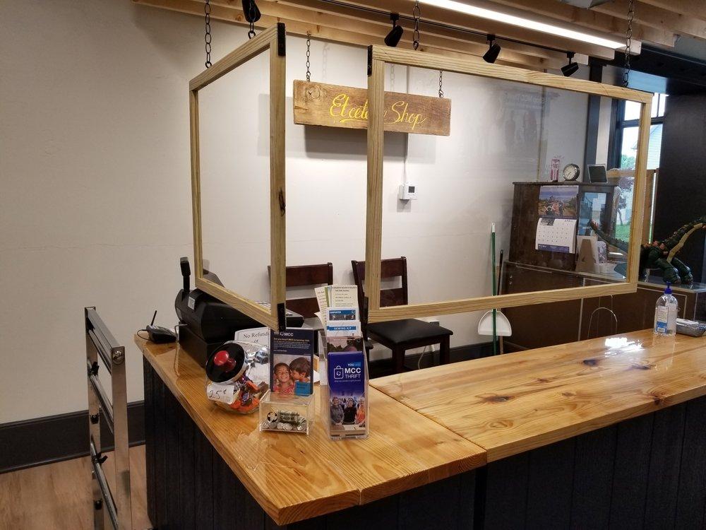 Et Cetera Shop: 327 N Main St, Bluffton, OH