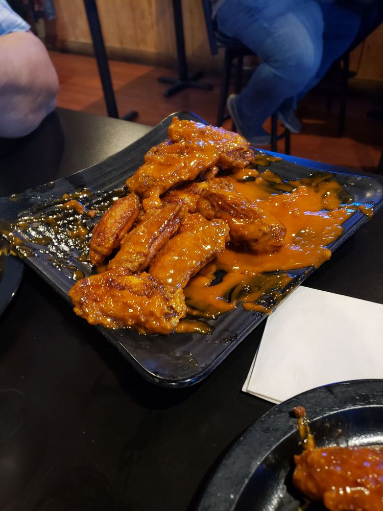 Wingers: 2881 Michigan St, Sidney, OH