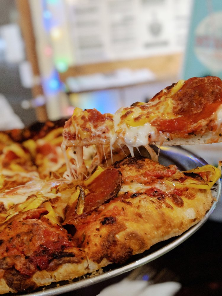 Rocky Mountain Pizza: 205 8th St, Glenwood Springs, CO