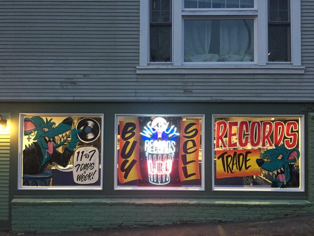 Landfill Rescue Unit: 2533 SE Belmont St, Portland, OR