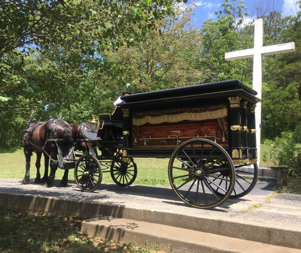 Robert D Brown Funeral Home: 103 4th St, Hillsboro, MO