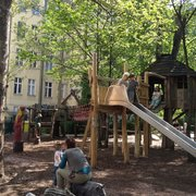 Robin Hood Ritterburg Spielplatz Grolmanstrasse Spielplatz