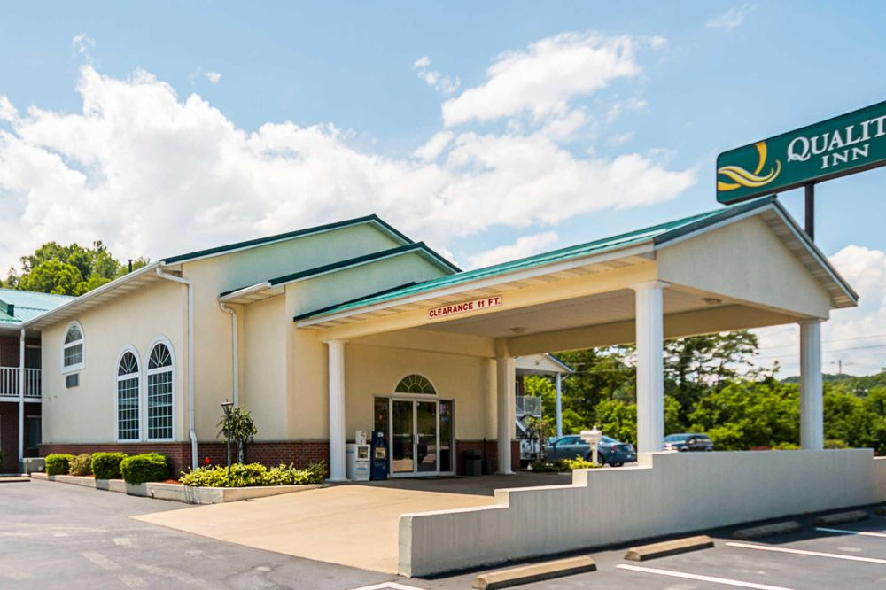 Quality Inn: 2906 US Highway 33 E, Weston, WV