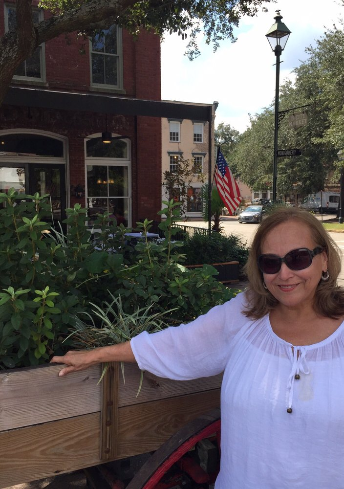 Deborah Cooper-Newland, DDS: 5001 Bissonnet St, Bellaire, TX
