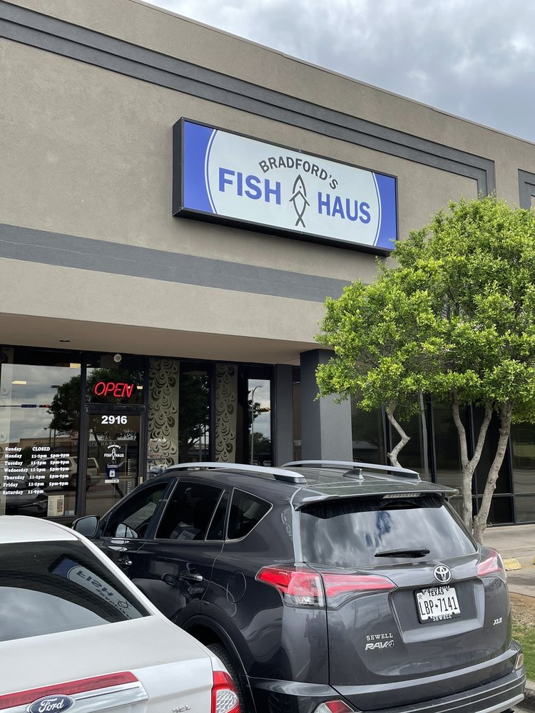 Bradfords Fish Haus Wichita Falls: 2916 Kemp Blvd, Wichita Falls, TX