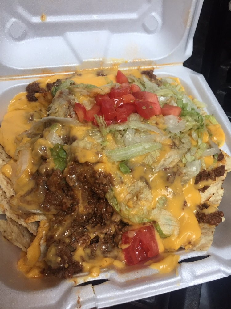 Frank N' Lou's: 4044 183rd St, Country Club Hills, IL