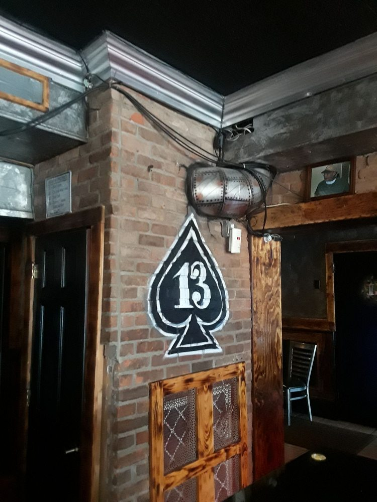 Lucky Bar 13: 677 Hempstead Tpke, Franklin Square, NY