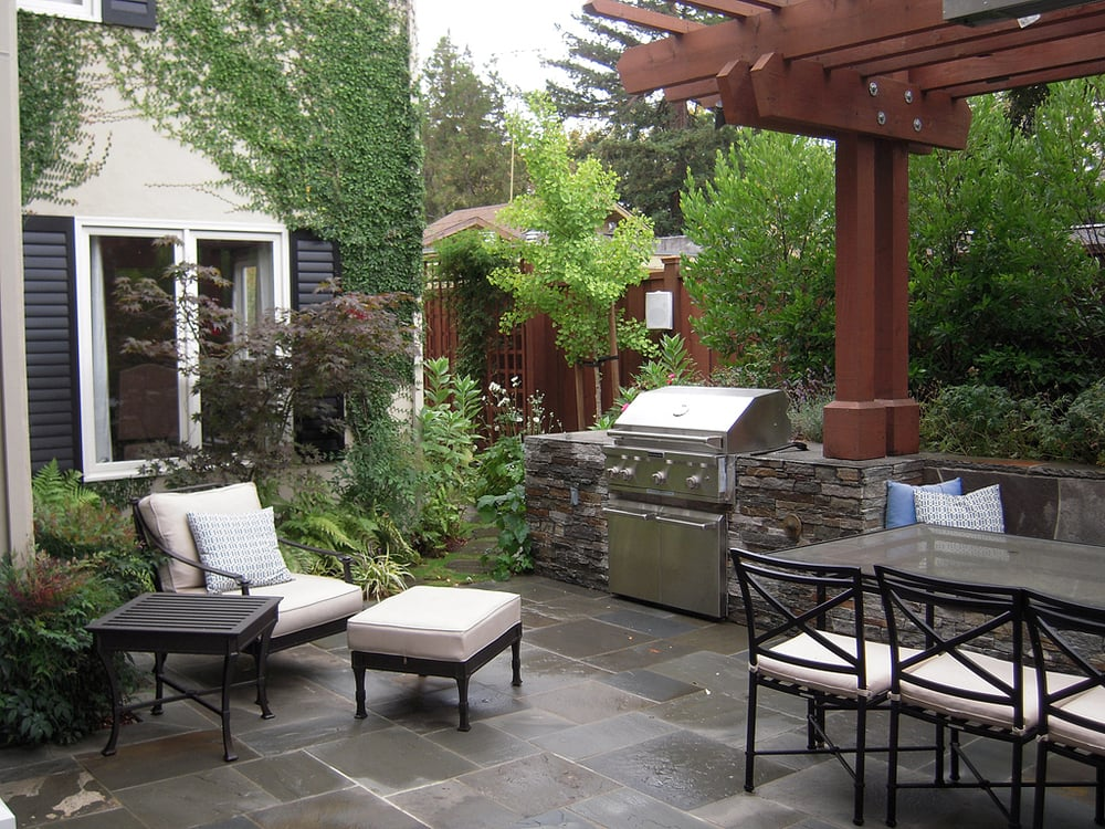 Palo Alto Dining Patio With Stone Kitchen, Bench Seating