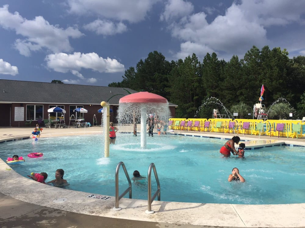Bay Minette City Pool: 1300 Bradley Ave, Bay Minette, AL