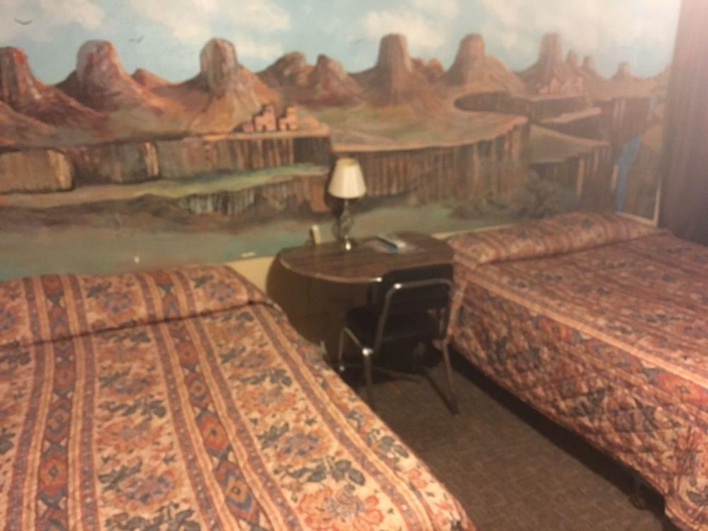 Copperstate Motel: 101 W Lewis Ave, Ash Fork, AZ