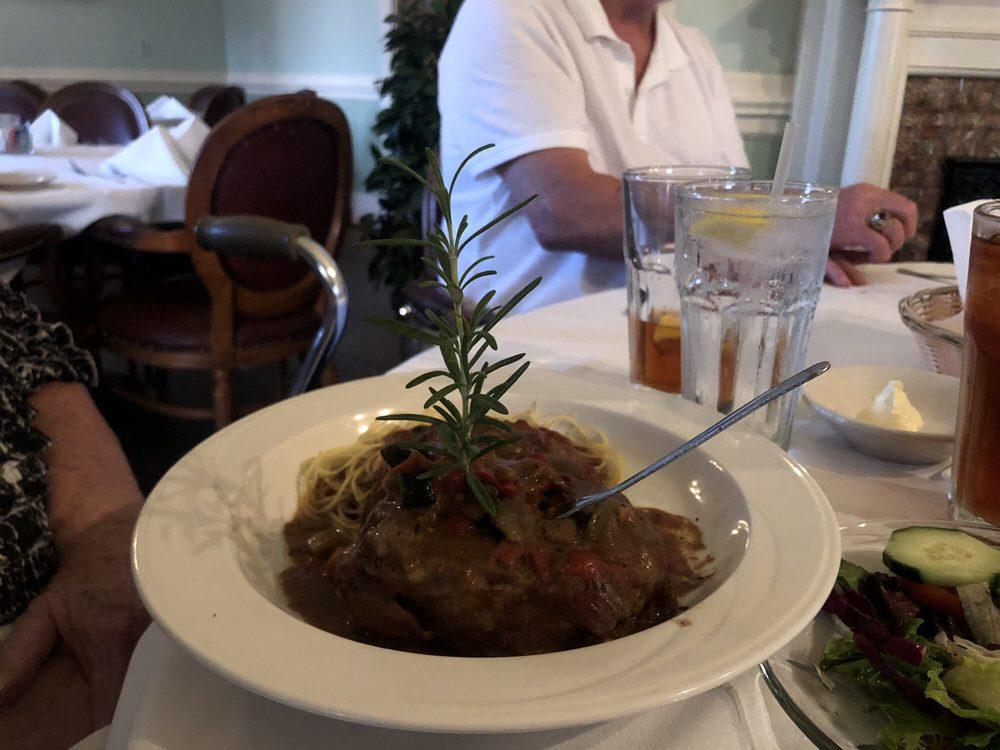 Nash's Restaurant: 101 E 2nd St, Broussard, LA