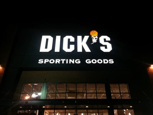 Dick's Sporting Goods 700 Lafayette Rd #212 Seabrook, NH